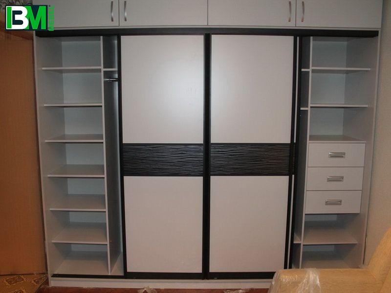 черно бежевый шкаф купе из МДФ