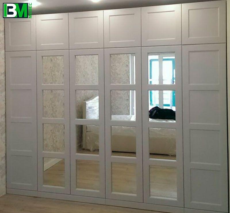 белый шкаф с зеркалами в спальню