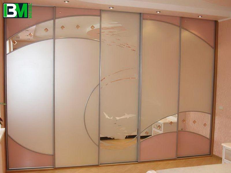 розовый шкаф купе в спальню пескоструй и стразы
