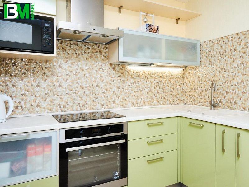 оливковая угловая кухня МДФ крашенный глянцевая