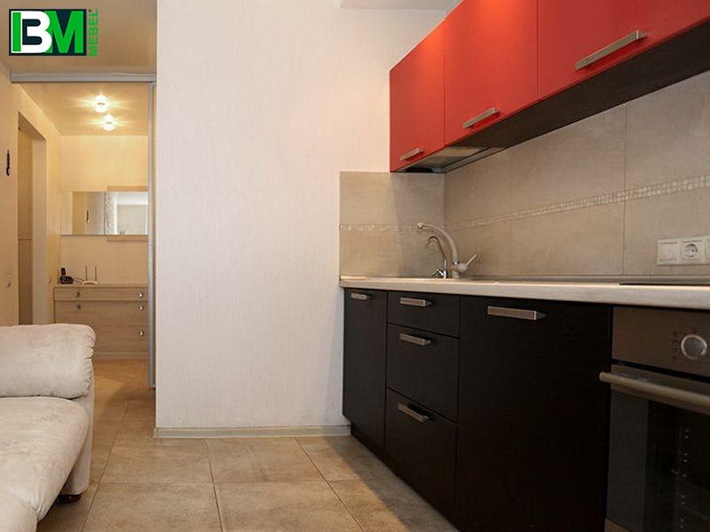 красная с черным прямая кухня из пластика