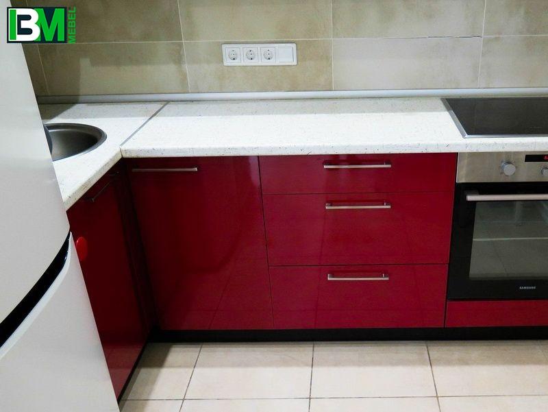бордовая с черным кухня глянцевая МДФ пленочный