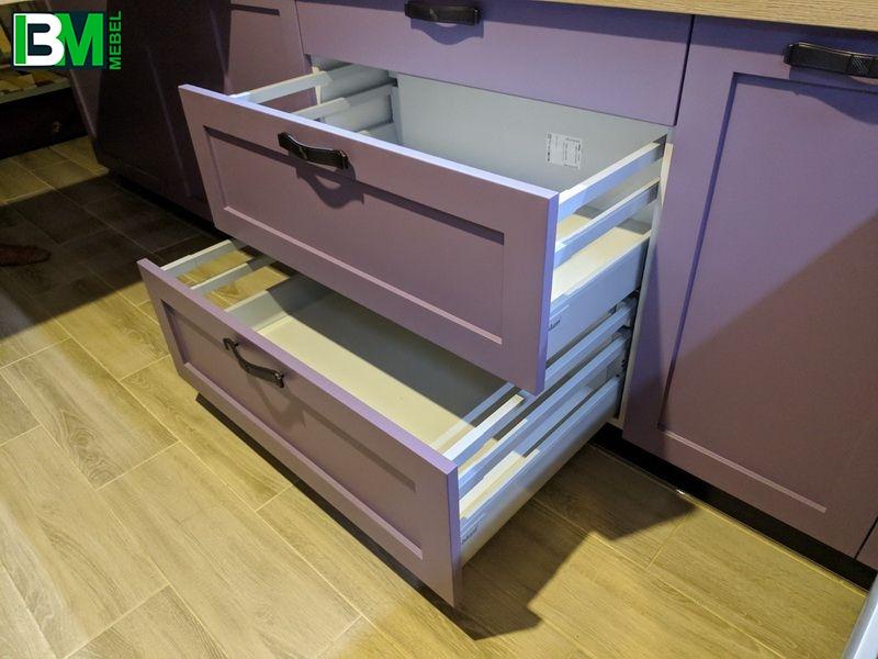 фиолетовая угловая кухня МДФ крашенный