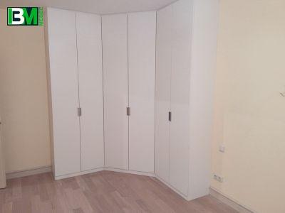 белый распашной шкаф 6 дверей из МДФ и ЛДСП