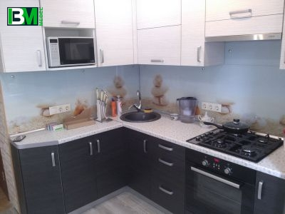 темная кухня серо-коричневого цвета из ЛДСП