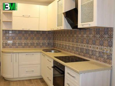 белая матовая кухня в классическом стиле МДФ крашенный