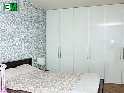 белый распашной шкаф в спальню