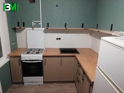 светло коричневая угловая кухня МДФ крашенный
